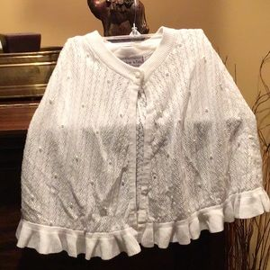 Girls whit knit cape w pearls one size fits all